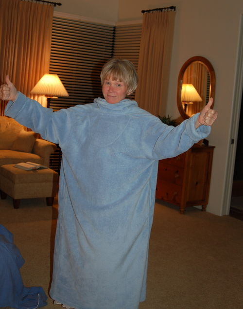 Mom having made her point. Robe backwards = Snuggie